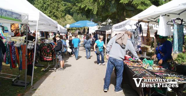 Deep Cove Daze Market