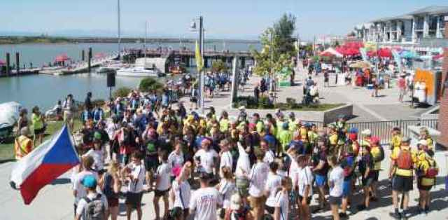 Steveston Dragon Boat Crowds