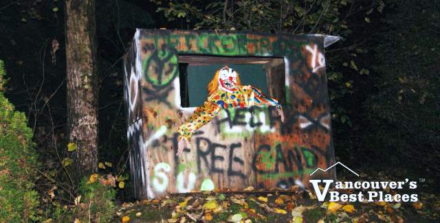 Bear Creek Halloween Clown Display
