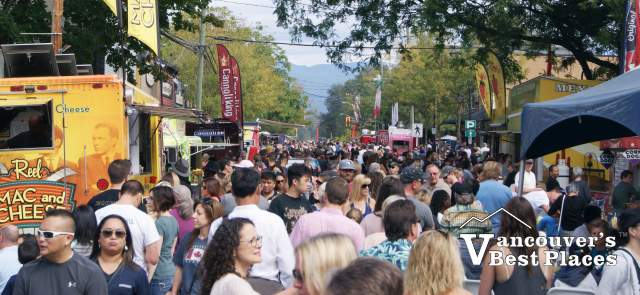 Food Truck Crowds on Glover Road