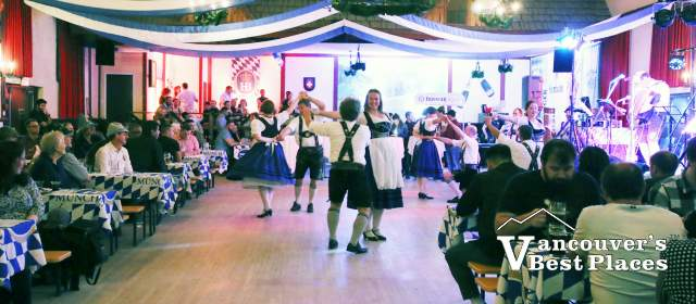 Dancing at Alpen Club Oktoberfest