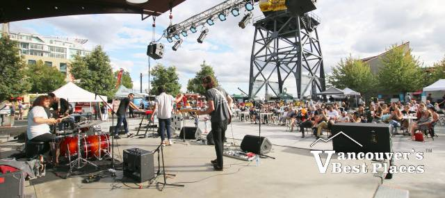 Concert at Shipped Waterfront Festival