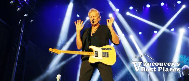 Graham Russell at PNE Air Supply Concert