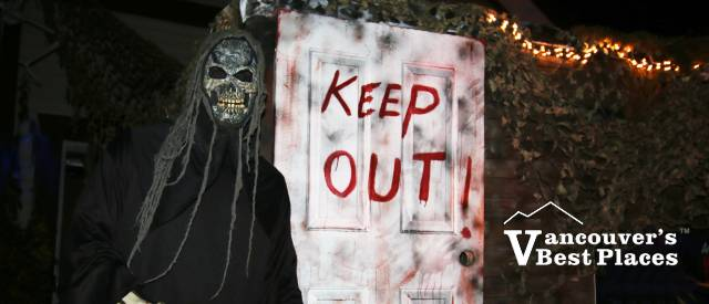 Anmore Manor Halloween Display