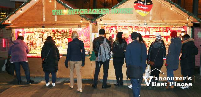 Vancouver Christmas Market Shoppers