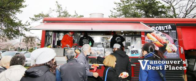 Japadog Food Truck Stand