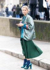 3-Fashion-Illustrator-Jenny-Walton-of-the-Sartorialist-outside-Miu-Miu-AH-show-in-Paris-on-March-09-photographed-by-Fashion-Blogger-Armenyl.com_