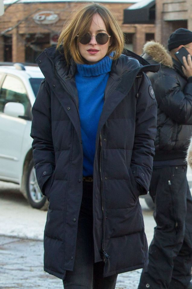 dakota-johnson-winter-style-aspen-12-30-2015-1