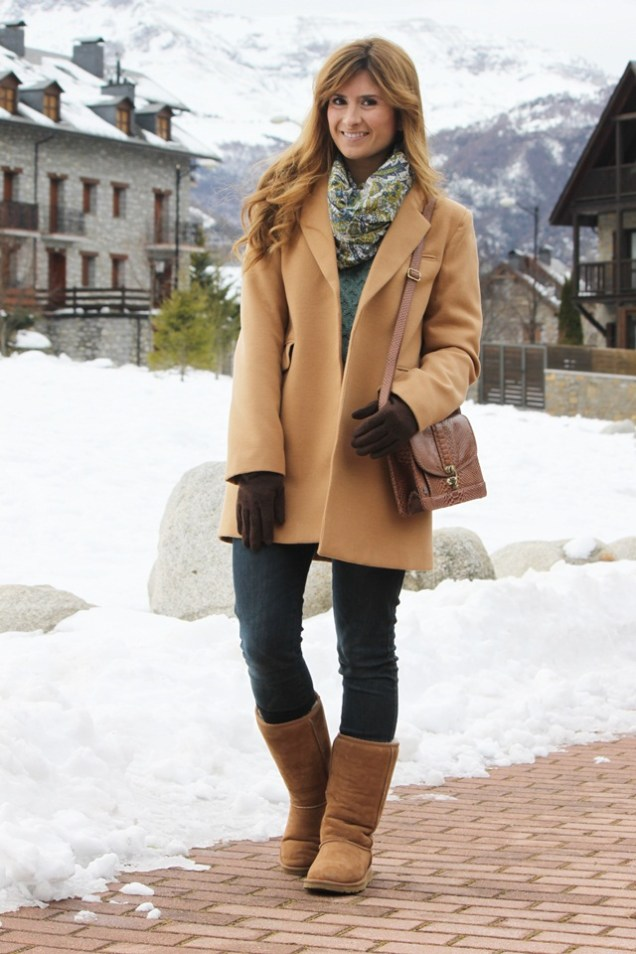 look-outfit-street_style-ugg-boots-camel-coat-kling-primark-knit-benasque-nieve-a-trendy-life3