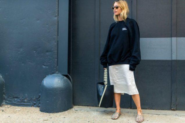 oversized-sweatshirt-nyfw-street-style-hbz-look-de-pernile-640x426