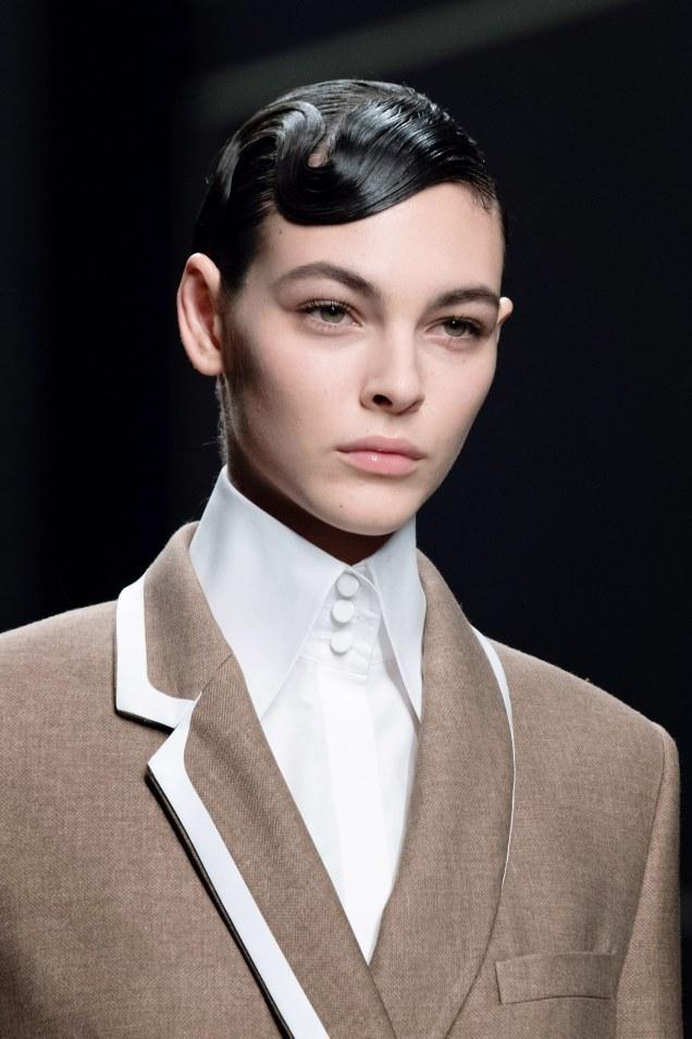 Модные тренды 2019: увеличенный воротник