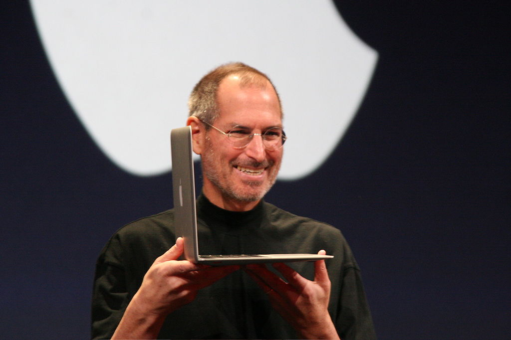 1024px-Steve_Jobs_with_MacBook_Air_2