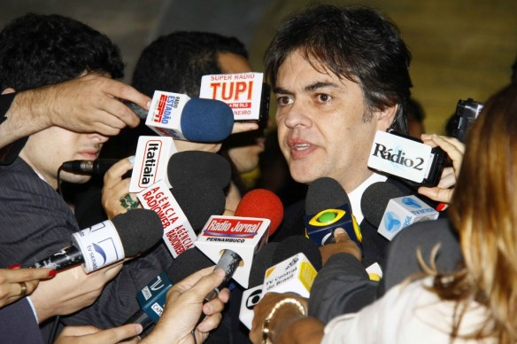 Senador C�ssio Cunha Lima mereceu destaque por seu trabalho no Congresso Nacional