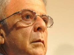 Mesmo sem mandato, Agra tenta conduzir oposições na Paraíba