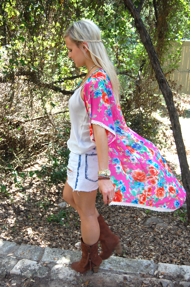 13-kaleidoscopic-kimono-colorful-vandi-fair-fashion-festival-style-outfit-blog-blogger-lauren-vandiver