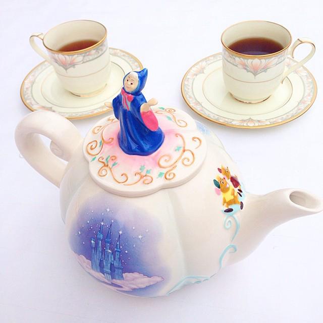 disney-cinderella-fairy-godmother-castle-teapot-instagram-fashion-blog-vandi-fair-vandigram.jpg