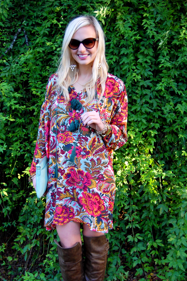 19-thankful-thanksgiving-giveaway-fevrie-floral-dress-vandi-fair