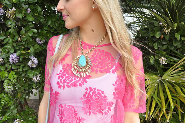turquoise-necklace-pink-top