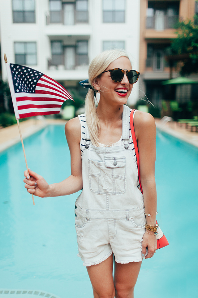 patriotic-overalls-outfit
