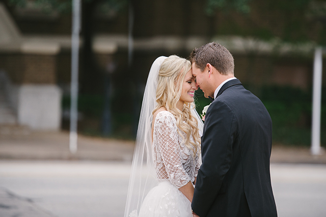 lauren-vandiver-cole-green-wedding-dallas-texas-weddings-vandi-fair-blog-fashion-bridal-blogger-new-years-eve-nye-cinderella-disney-vandigoesgreen-0014