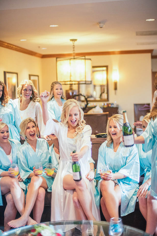 lauren-vandiver-cole-green-wedding-dallas-texas-weddings-vandi-fair-blog-fashion-bridal-blogger-new-years-eve-nye-cinderella-disney-vandigoesgreen-champagne-pop-silk-bridesmaids-robes