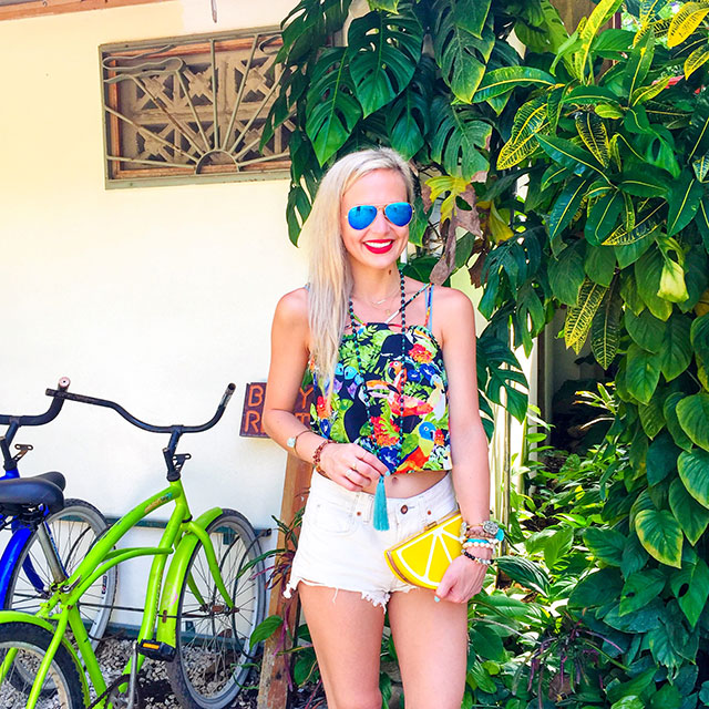 vandi-fair-blog-lauren-vandiver-dallas-texas-fashion-blogger-costa-rica-instagram-ig-round-up-topshop-double-strap-bird-print-camisole-lemon-clutch