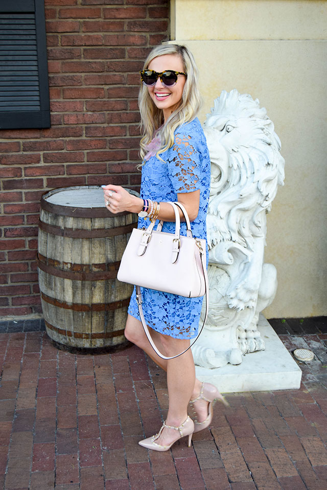 vandi-fair-blog-lauren-vandiver-dallas-texas-fashion-blogger-nordstrom-wear-to-work-felicity-and-coco-lace-shift-dress-blue-periwinkle-baublebar-seaglass-bib-necklace-2