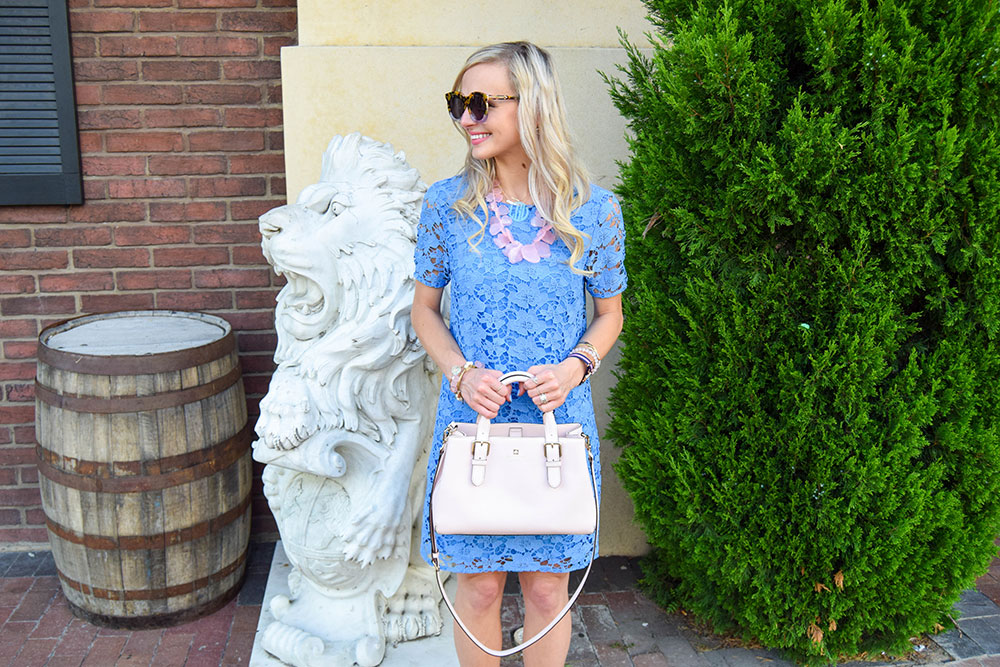 vandi-fair-blog-lauren-vandiver-dallas-texas-fashion-blogger-nordstrom-wear-to-work-felicity-and-coco-lace-shift-dress-blue-periwinkle-baublebar-seaglass-bib-necklace-5