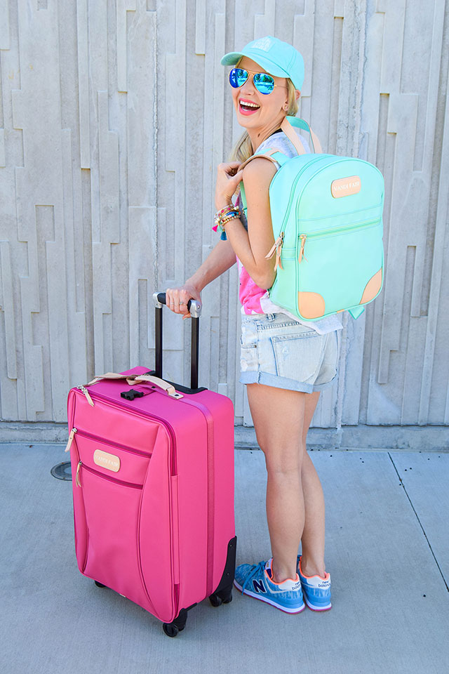 vandi-fair-blog-lauren-vandiver-dallas-texas-southern-fashion-blogger-jon-hart-designs-360-large-wheels-pink-suitcase-custom-monogram-luggage-tag-back-pack-mint-green-12
