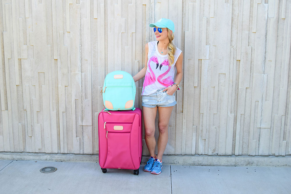 vandi-fair-blog-lauren-vandiver-dallas-texas-southern-fashion-blogger-jon-hart-designs-360-large-wheels-pink-suitcase-custom-monogram-luggage-tag-back-pack-mint-green-14