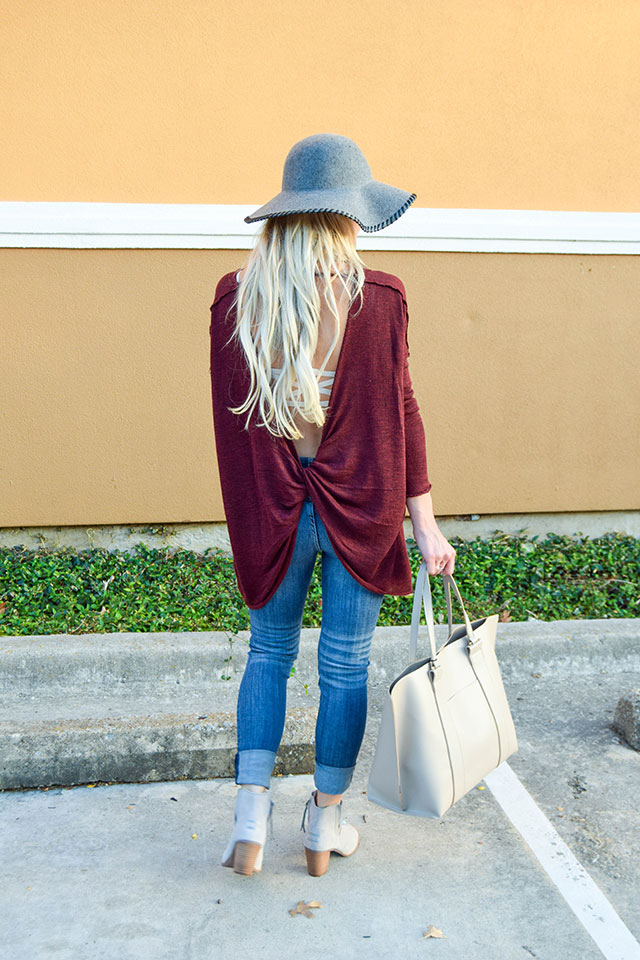 vandi-fair-blog-lauren-vandiver-dallas-texas-southern-fashion-blogger-nordstrom-anniversary-sale-fall-outfits-free-people-shadow-oversize-hacci-open-back-top-sweater-2