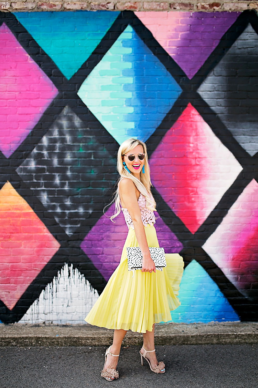 vandi-fair-dallas-fashion-blog-lauren-vandiver-southern-texas-travel-blogger-color-colorful-nordstrom-topshop-chiffon-pleated-midi-skirt-neon-yellow-bardot-flora-lace-crop-top-1