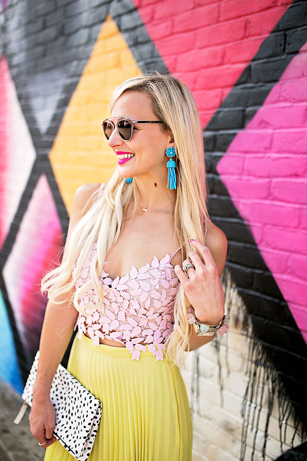 vandi-fair-dallas-fashion-blog-lauren-vandiver-southern-texas-travel-blogger-color-colorful-nordstrom-topshop-chiffon-pleated-midi-skirt-neon-yellow-bardot-flora-lace-crop-top-5