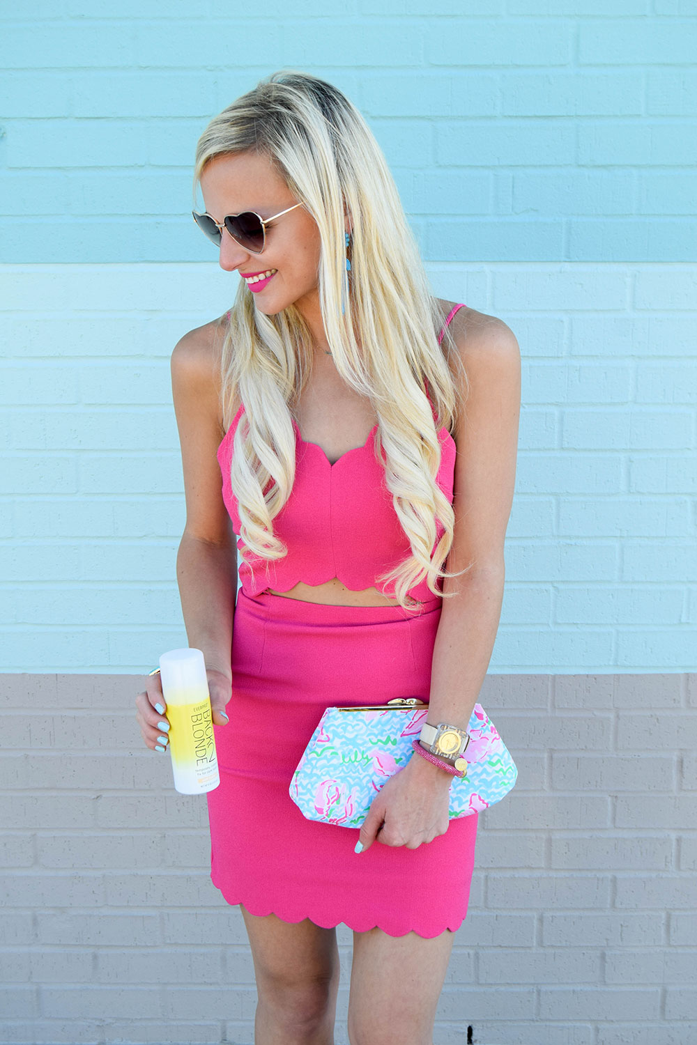 vandi-fair-dallas-fashion-blog-lauren-vandiver-southern-texas-travel-blogger-everpro-back2blonde-back-2-blonde-root-highlight-spray-bff-joa-cutout-scallop-pink-bodycon-dress-3