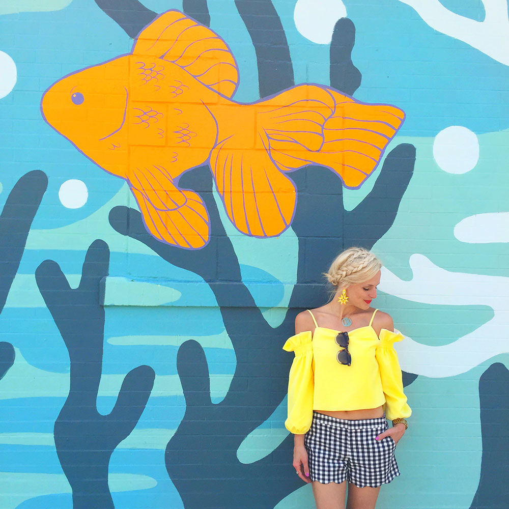 vandi-fair-dallas-fashion-blog-lauren-vandiver-southern-texas--travel-blogger-visit-long-beach-bike-ride-pow-wow-mural-tour