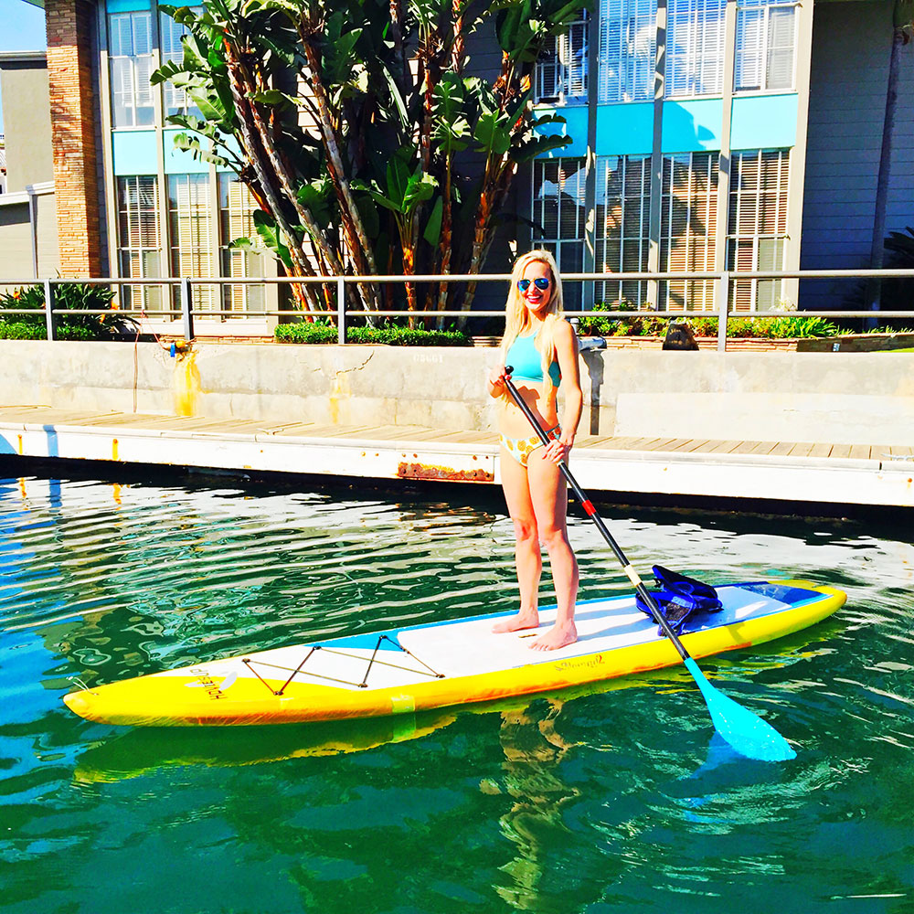 vandi-fair-dallas-fashion-blog-lauren-vandiver-southern-texas-travel-blogger-visit-long-beach-naples-canal-long-boarding