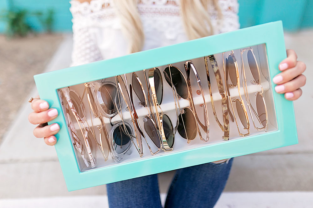 teal-lacquer-sunglass-organizer-box