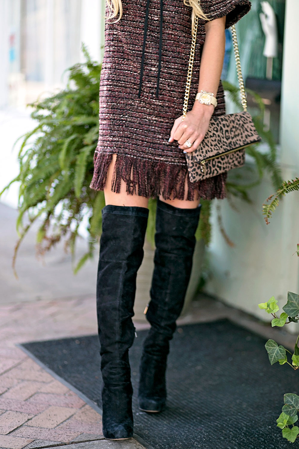 vandi-fair-blog-lauren-vandiver-dallas-texas-southern-fashion-blogger-astr-margo-fringe-shift-hem-dress-wine-over-the-knee-black-boots-1