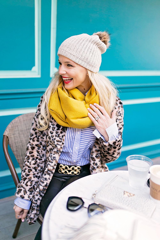 faux-fur-leopard-coat-casual-outfit