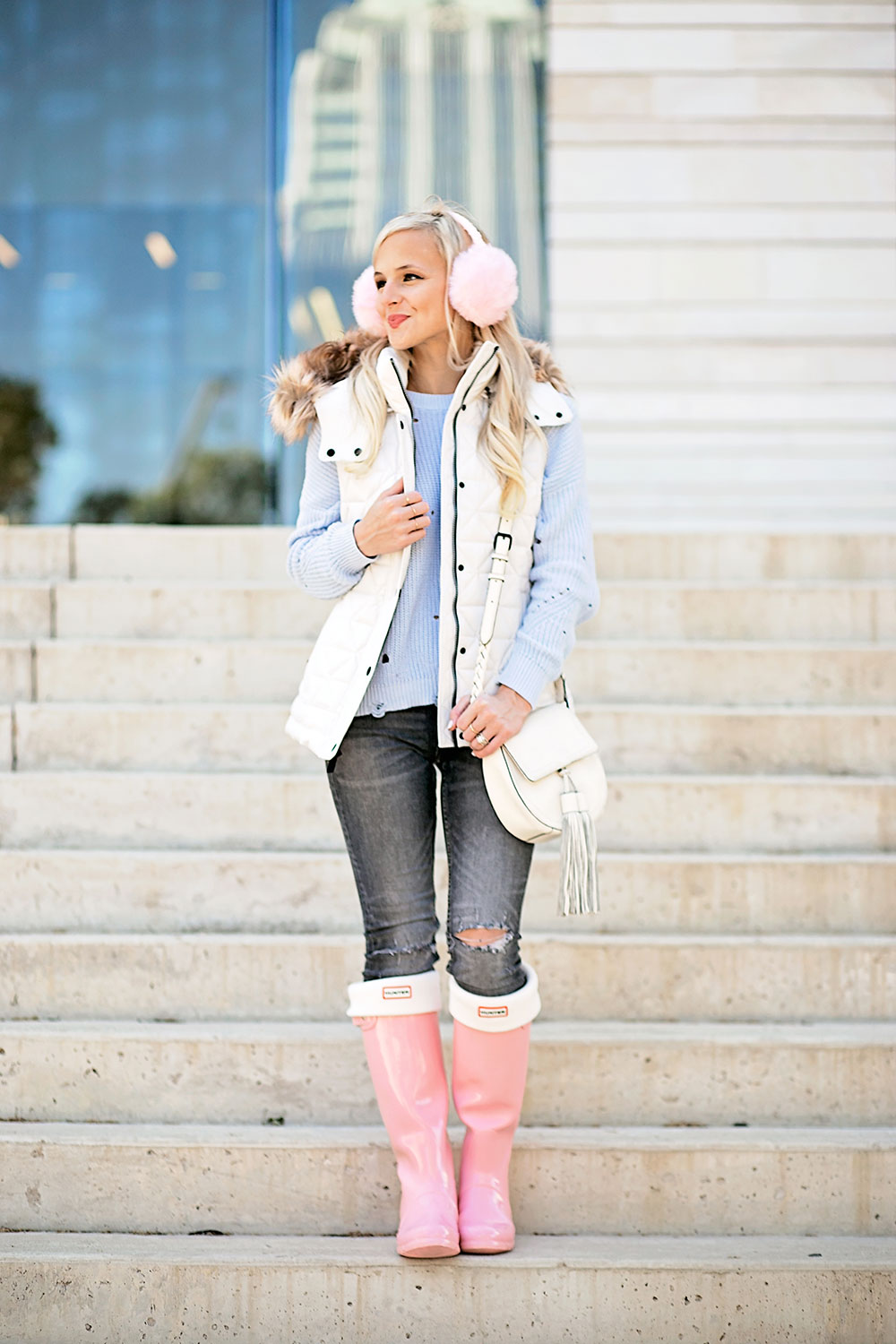 white-puffer-vest-winter-outfit
