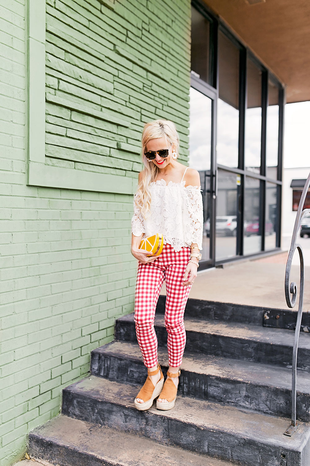 madewell-gingham-high-waist-red-and-white-pants