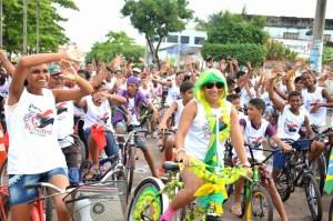 Evento ciclístico realizado pela prefeitura de pinheiro leva centenas de pessoas a pedalarem pelas ruas da cidade