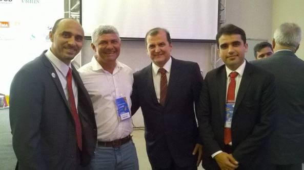 Zé Martins ao lado de Cláudio Azevedo e do Superintendente do Sebrae-Ma, João Martins