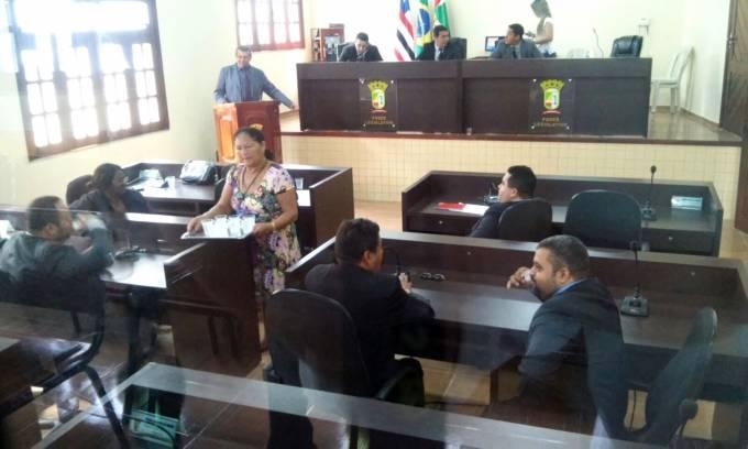 11 dos 15 vereadores compareceram na sessão
