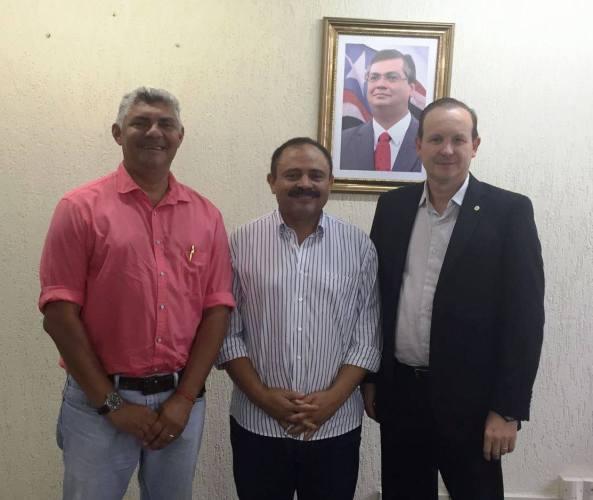 Prefeito Zé Martins, deputado Waldir Maranhão e Márcio Honaiser Secretaria Estadual de Agricultura, Pecuária e Pesca.
