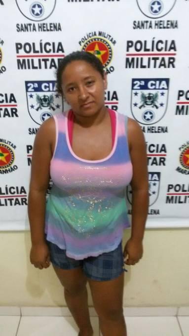 Ana Cleia Alves dos Santos 28 anos foi conduzida e entregue na DP para providências