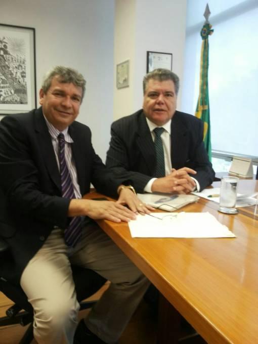 Prefeito Carrinho em audiência com o ministro do Meio Ambiente, Sarney Filho.