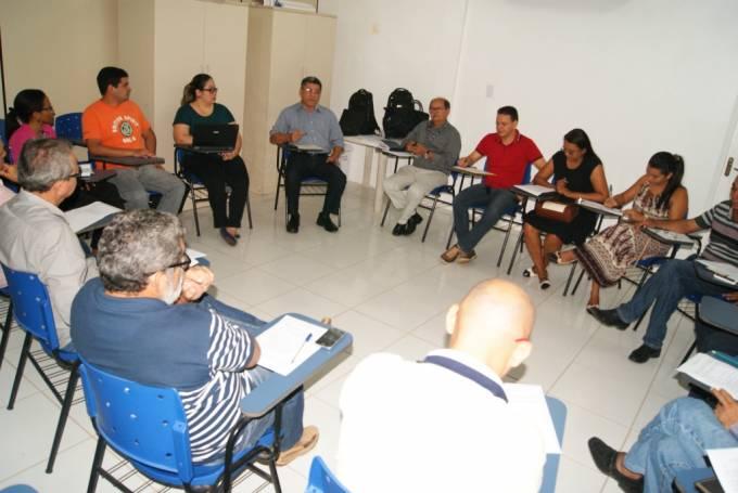 Reunião teve como objetivo alinhar os temas que serão discutidos no Seminário, que ocorrerá no próximo dia 21.
