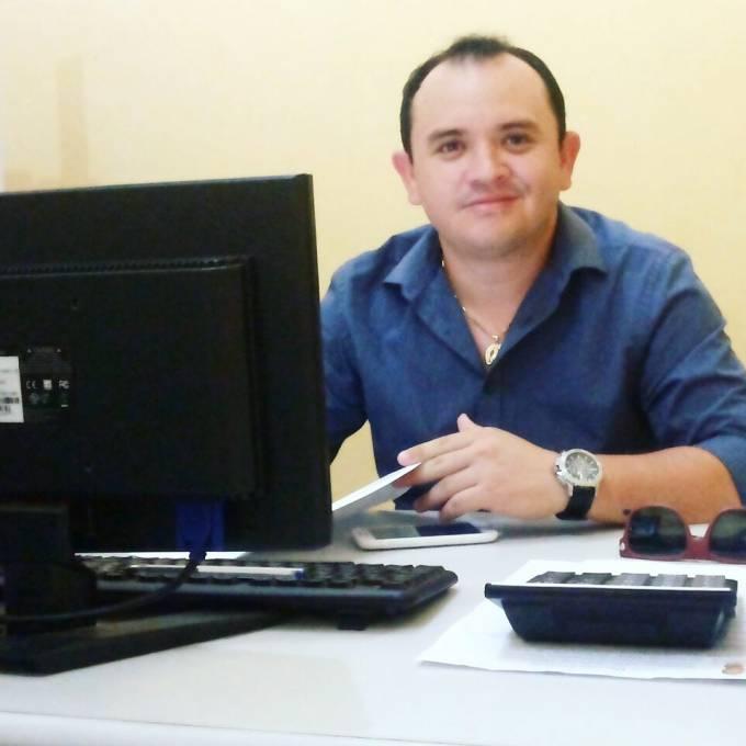 O Advogado Jadiel Barros é natural da povoado Ponta Branca zona rural de Pinheiro.