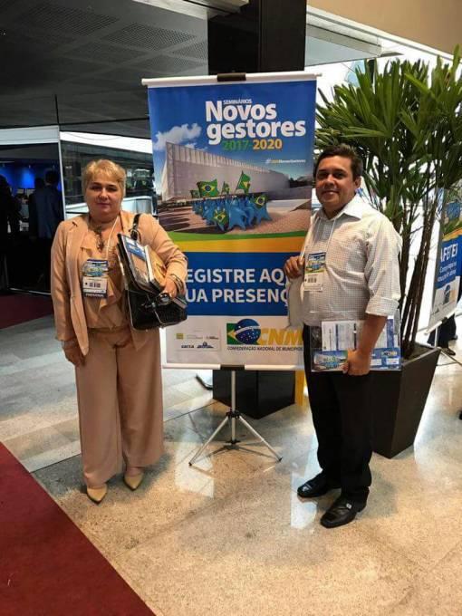 Prefeita Margarete e o vice, Osvaldo Gomes, no Seminário Novos Gestores, realizado no Centro Internacional de Convenções do Brasil em Brasília.